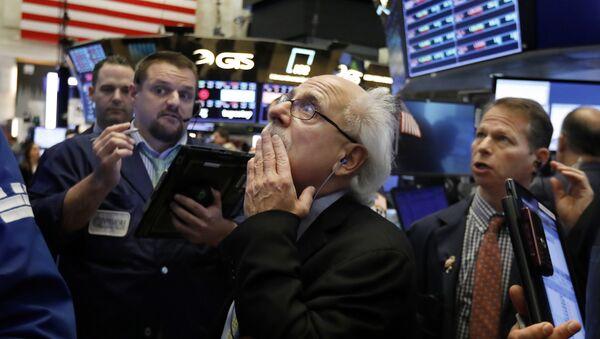 Los comerciantes en la bolsa de Nueva York  - Sputnik Mundo