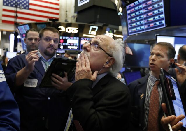 Los comerciantes en la bolsa de Nueva York