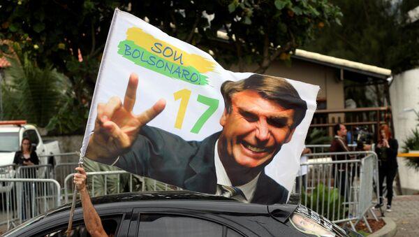 Un seguidor de Jair Bolsonaro - Sputnik Mundo