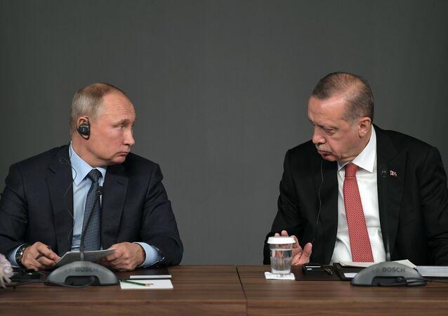 Presidente de Rusia, Vladímir Putin, y presidente de Turquía, Recep Tayyip Erdogan (archivo)