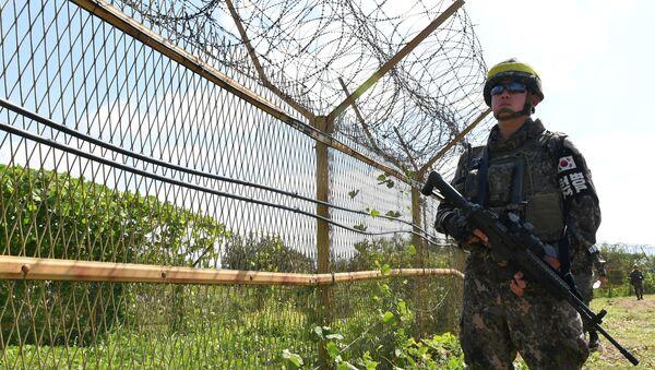 Un militar de Corea del Sur - Sputnik Mundo