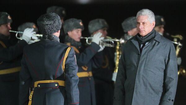 Miguel Díaz-Canel, presidente de Cuba, llega a Rusia (archivo) - Sputnik Mundo