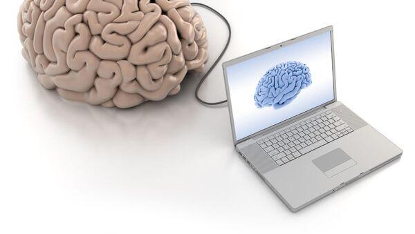 Un cerebro conectado a una computadora (ilustración) - Sputnik Mundo