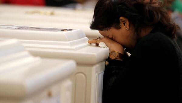 Despedida de las víctimas del ataque terrorista contra cristianos coptos en Egipto - Sputnik Mundo