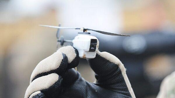 El dron europeo Black Hornet - Sputnik Mundo