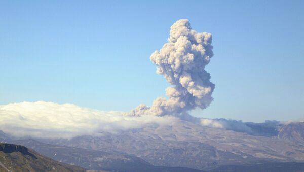 Volcán Ebeko - Sputnik Mundo