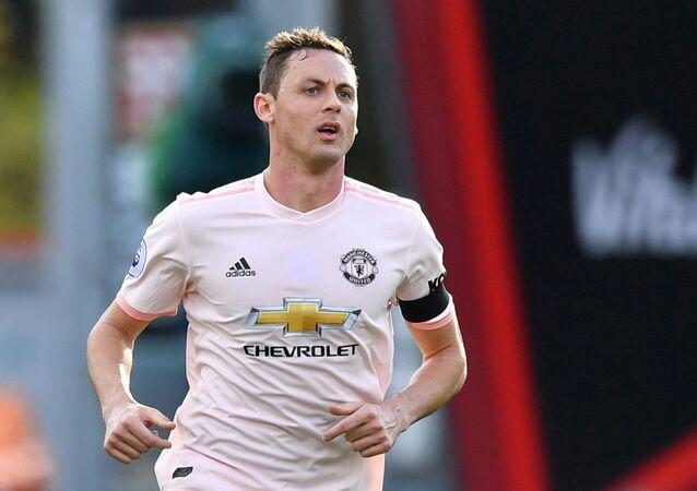 Nemanja Matic del Manchester United lleva una camiseta sin amapola