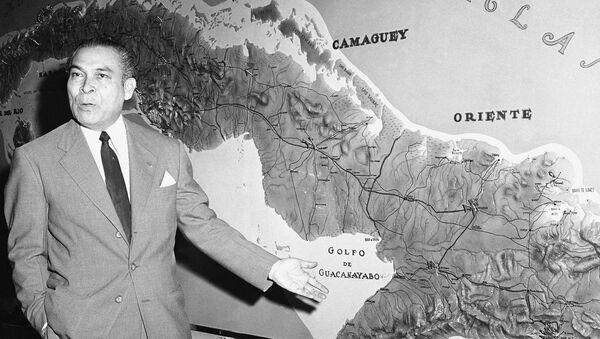 Fulgencio Batista dice en 1958 que sus tropas tienen al líder rebelde Fidel Castro y una amplia banda de rebeldes aislados en las montañas - Sputnik Mundo