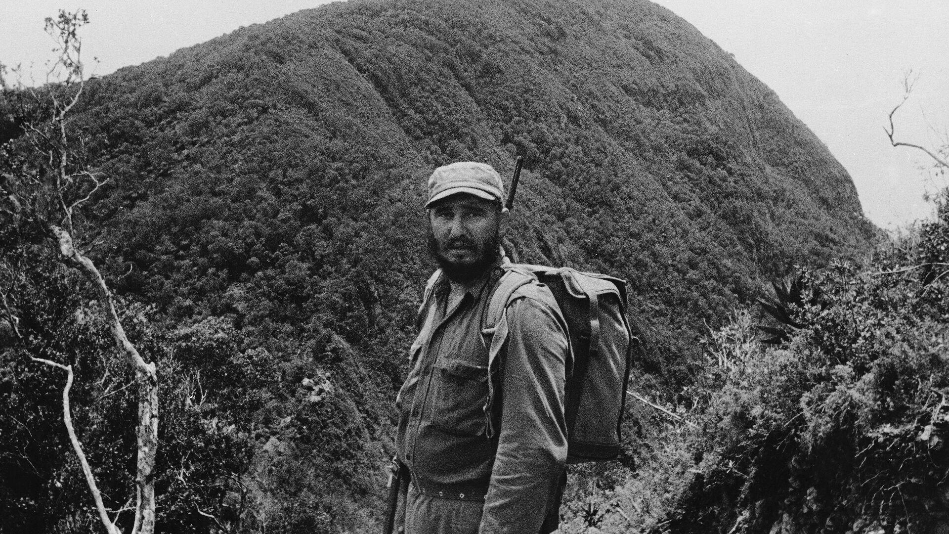 Fidel Castro visita la Sierra Maestra en junio de 1962 - Sputnik Mundo, 1920, 26.07.2021
