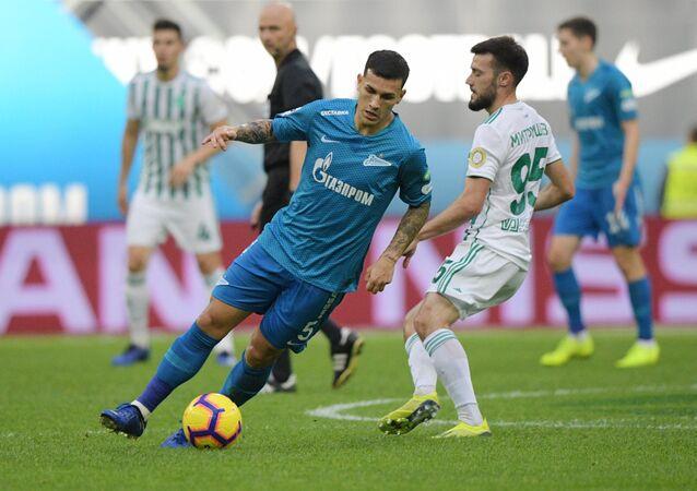 Leandro Paredes, jugador argentino del Zenit de San Petersburgo, durante el partido contra el Ajmat de Grozny.