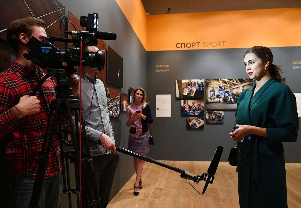 Se inaugura en Moscú la exposición del IV Fotoconcurso Internacional Andréi Stenin
