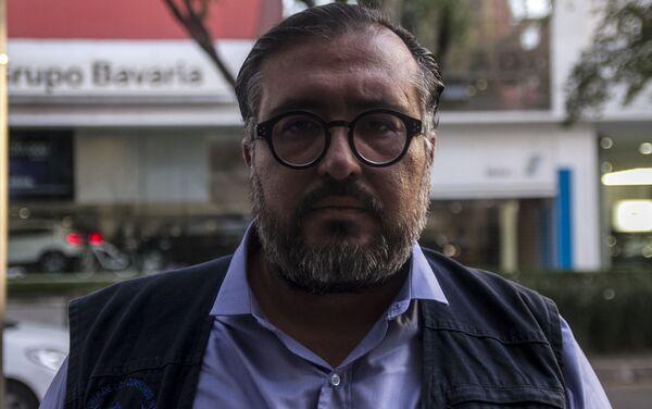 Arturo Peimbert Calvo, defensor de los derechos humanos del pueblo de Oaxaca, posa para foto - Sputnik Mundo