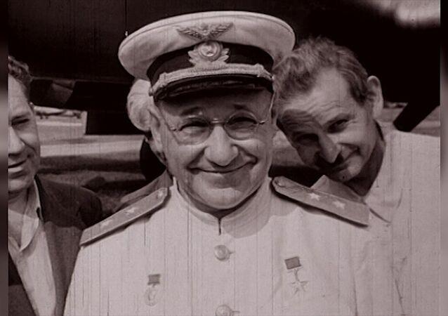 Los aviones feos no vuelan: imágenes de archivo del creador de las míticas aeronaves Tupolev