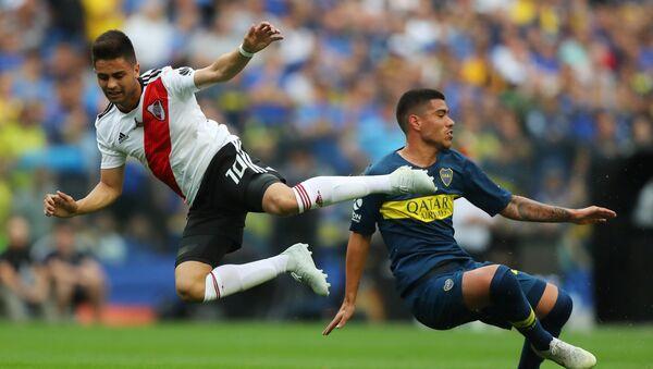 Gonzalo Martínez de River Plate contra Lucas Olaza de Boca Juniors - Sputnik Mundo