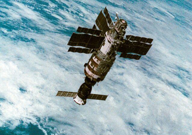 La estación espacial soviética Salyut-7