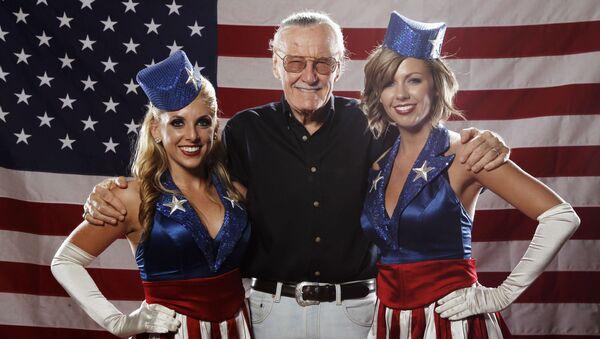 El legendario editor de Marvel Stan Lee: una vida en imágenes - Sputnik Mundo