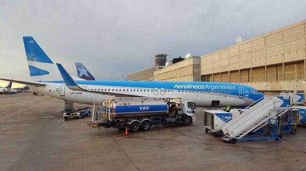 Avión de Aerolíneas Argentinas en el Aeroparque de Buenos Aires - Sputnik Mundo