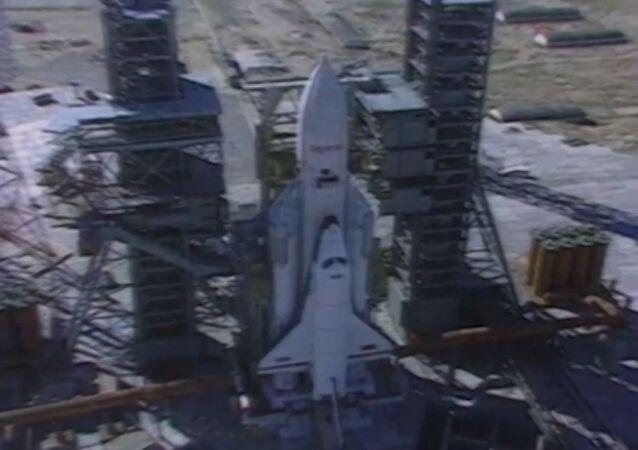 Hace exactamente 30 años el transbordador espacial soviético Buran hizo historia