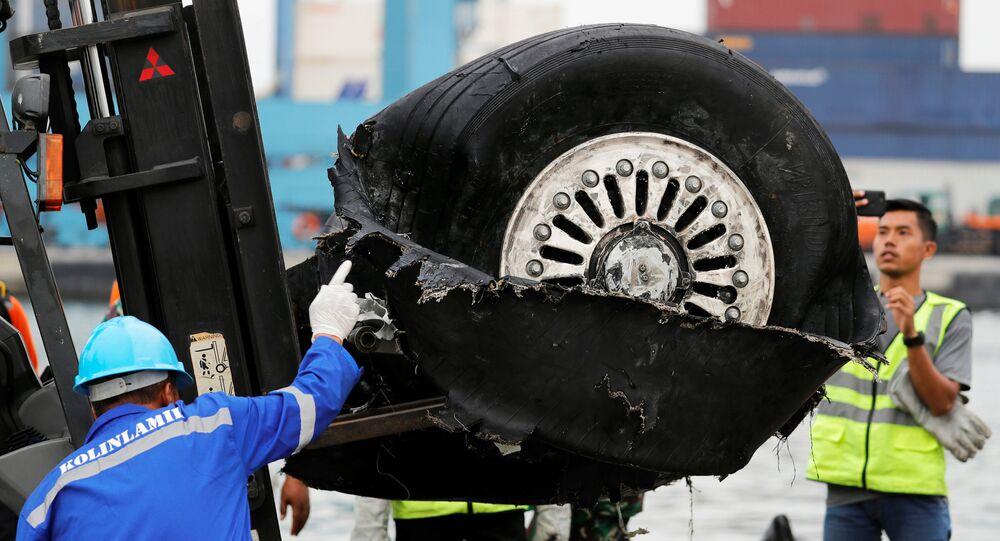 Los escombros del vuelo JT610 de Lion Air, Indonesia
