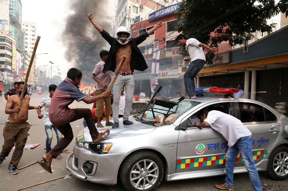 Fuegos devastadores, camellos y gimnastas: estas son las imágenes de la semana