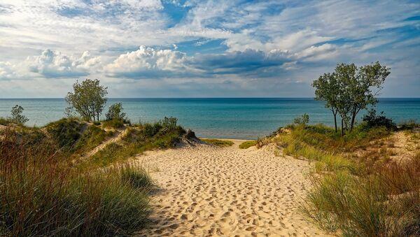 Una playa, imagen referencial - Sputnik Mundo