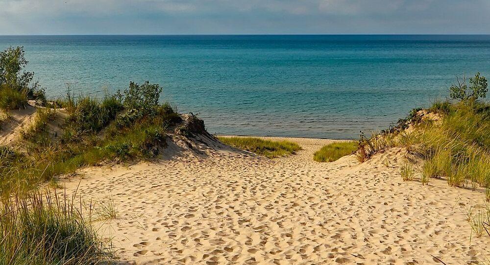 Una playa, imagen referencial
