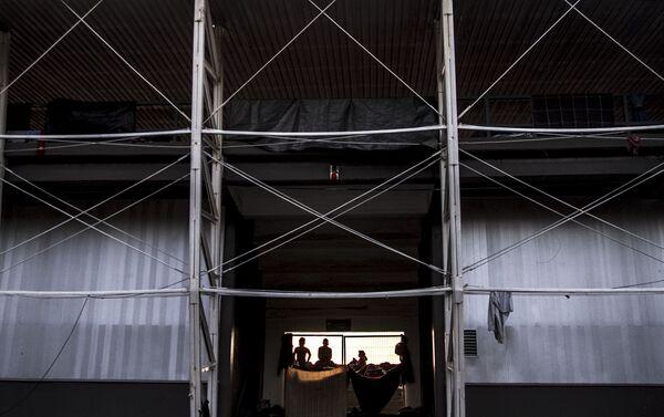 "El estadio Jesús Martínez ""Palillo"" aloja a migrantes centroamericanos - Sputnik Mundo"