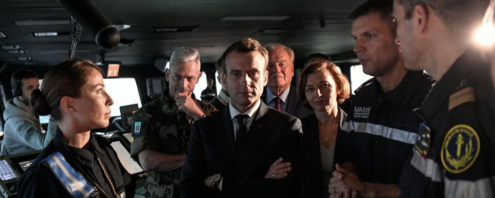 Emmanuel Macron (centro), presidente de Francia - Sputnik Mundo, 1920, 19.11.2018