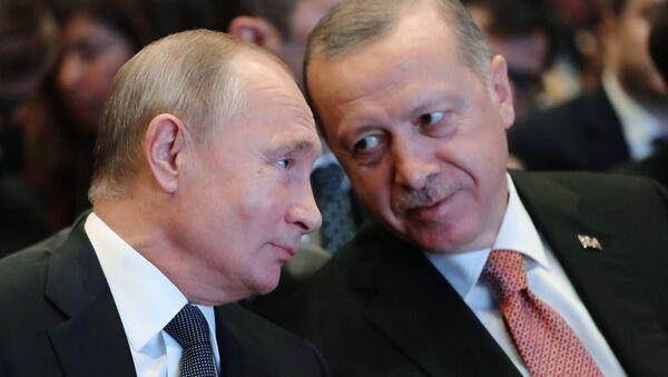 Presidente de Rusia, Vladímir Putin, y presidente de Turquía, Recep Tayyip Erdogan - Sputnik Mundo