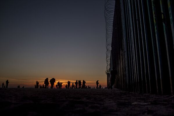 Playas de Tijuana al atardecer - Sputnik Mundo