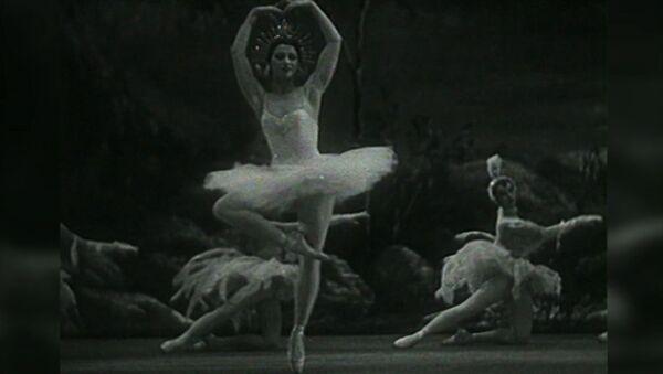 La leyenda de Maya Plisétskaya: se cumplen 93 años del nacimiento de la genial bailarina - Sputnik Mundo