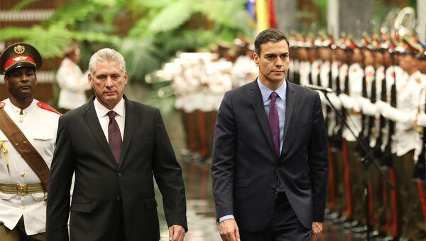 Miguel Díaz-Canel, presidente de Cuba, y  Pedro Sánchez, presidente del Gobierno de España - Sputnik Mundo