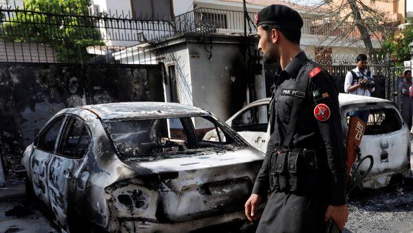 Situación tras el atentado al Consulado general de China en Karachi - Sputnik Mundo