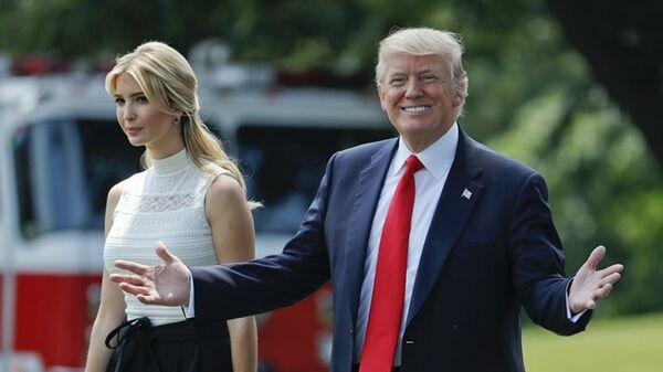 Donald Trump, presidente de EEUU, e Ivanka Trump, asesora presidencial - Sputnik Mundo