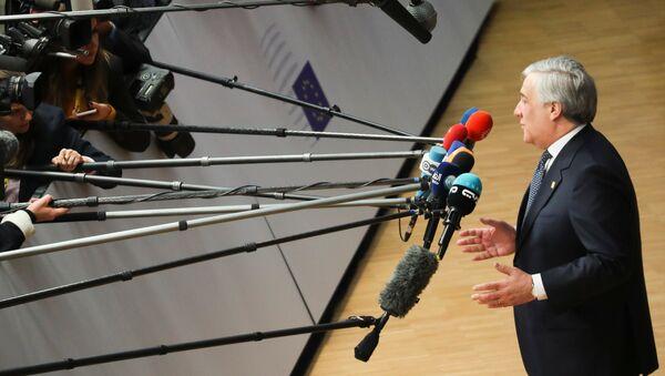 Antonio Tajani, el presidente del Parlamento europeo - Sputnik Mundo