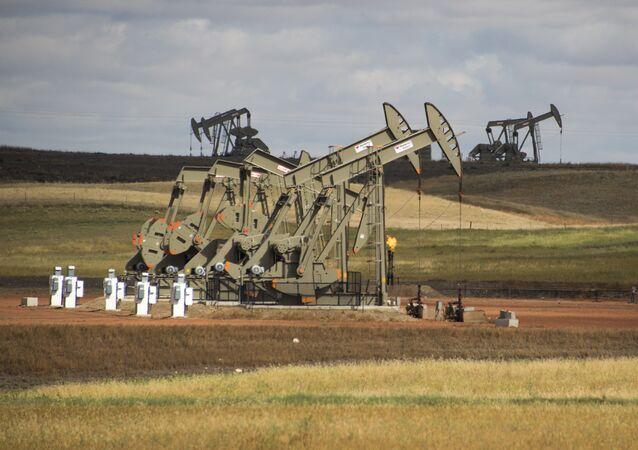 Unidades de bombeo para extraer petróleo en Estados Unidos