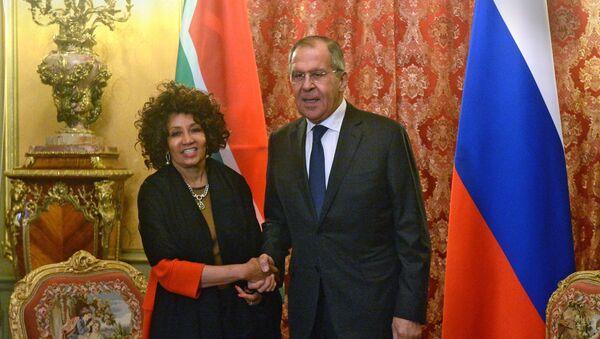 La ministra de Exteriores de Sudáfrica, Lindiwe Sisulu, visitó Moscú, donde se reunió con su homólogo ruso, Serguéi Lavrov, - Sputnik Mundo