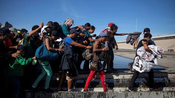 Migrantes centroamericanos en México - Sputnik Mundo