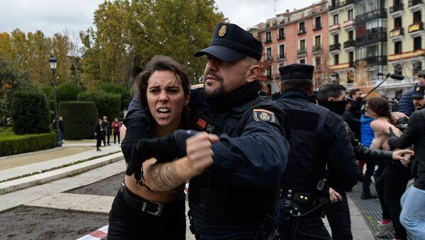 Activistas femen - Sputnik Mundo