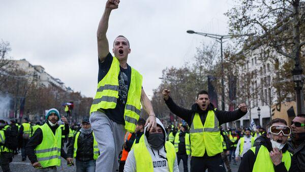 Protestas de los chalecos amarillos en Francia - Sputnik Mundo