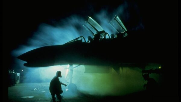 Un caza F-4 Phantom, foto archivo - Sputnik Mundo
