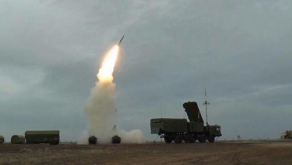 Triunfo antiaéreo: el nuevo sistema ruso S-400 muestra su potencia - Sputnik Mundo