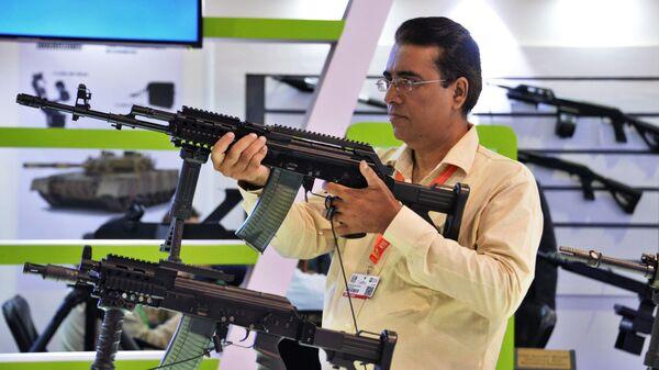 Las armas más modernas en la lucha contra el terrorismo en la feria internacional IDEAS 2018 - Sputnik Mundo
