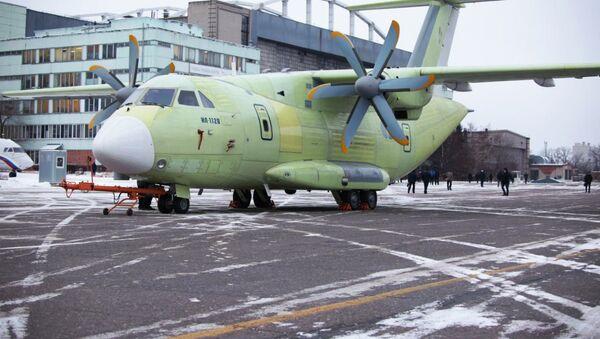 Первый военно-транспортный самолет Ил-112В передали на летные испытания - Sputnik Mundo