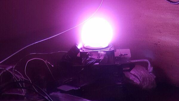 El ensayo de un nuevo motor de cohete de propulsión eléctrica que utiliza yodo - Sputnik Mundo
