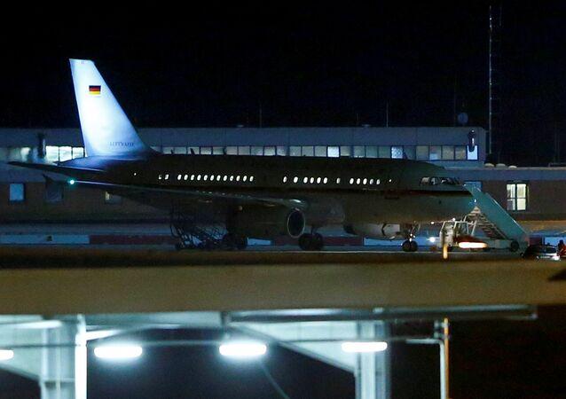 El avión de la canciller alemana Angela Merkel en el aeropuero de Colonia