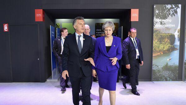 Mauricio Macri y Theresa May durante la cumbre del G20 en Buenos Aires - Sputnik Mundo