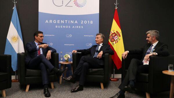 Pedro Sánchez, el presidente del Gobierno de España y Mauricio Macri, el presidente argentino - Sputnik Mundo