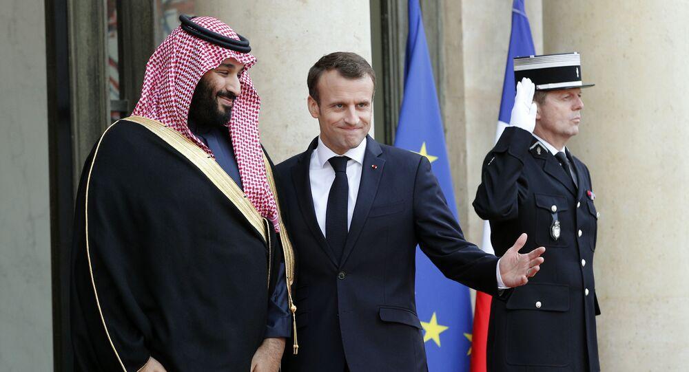 Mohamed bin Salman, príncipe heredero de Arabia Saudí y Emmanuel Macron, presidente de Francia