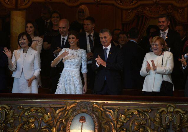 Mauricio Macri, presidente de Argentina, se emociona al final de la gala especial por el G20